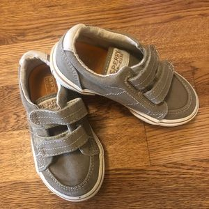 Sherry size 7 boat shoes.
